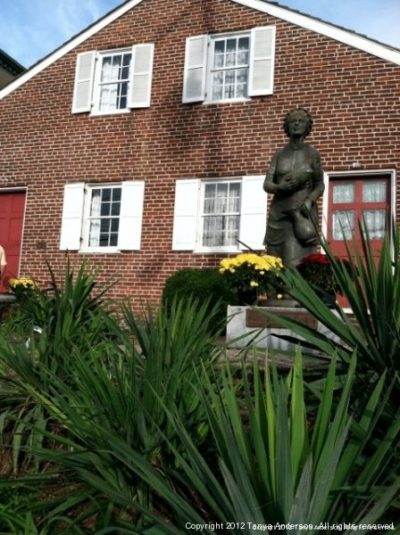 Jennie Wade House and Statue